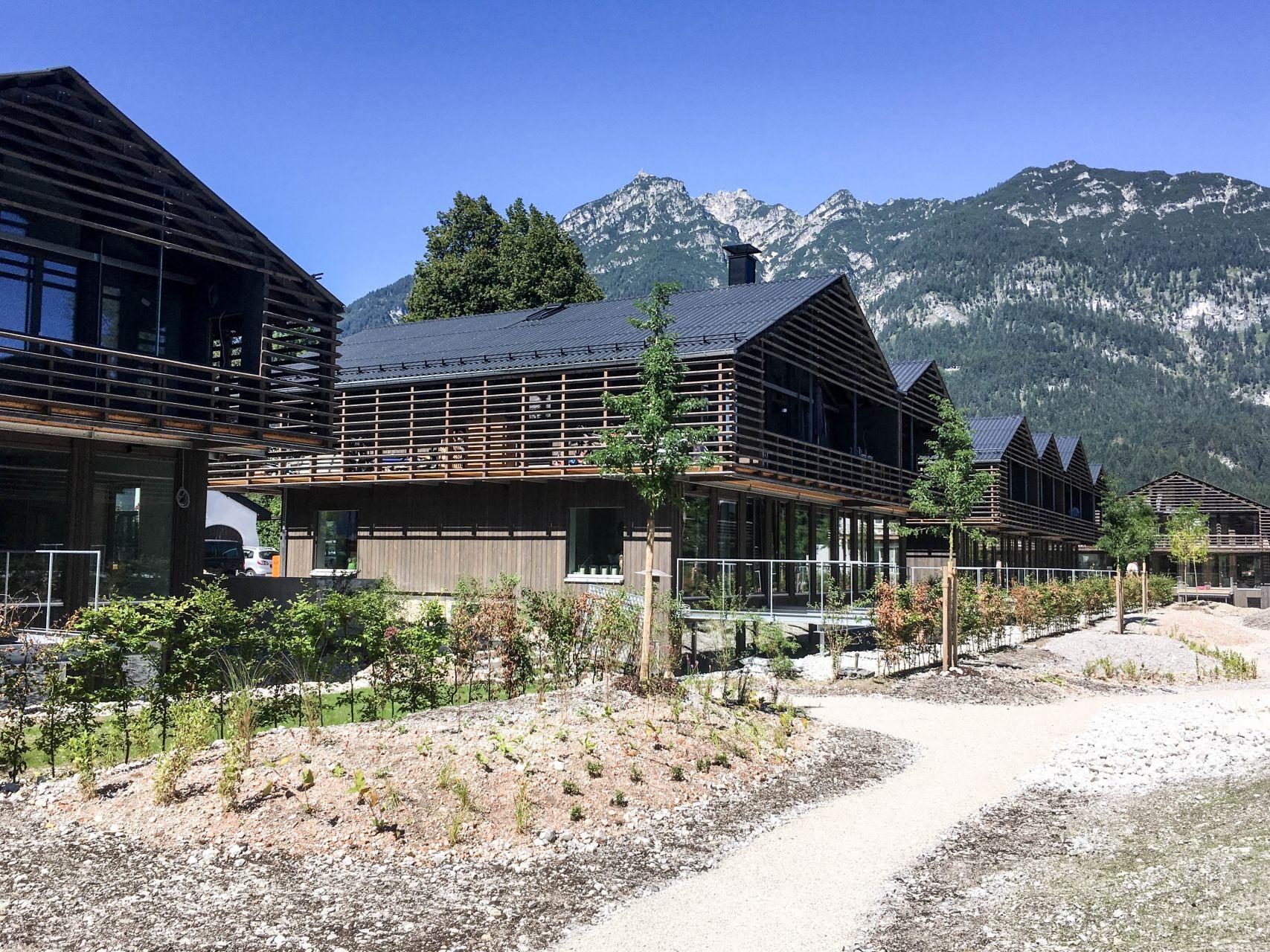 Bau von 21 h usern und ein hotel in garmisch partenkirchen for Designhotel garmisch